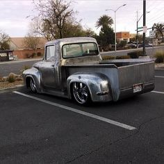 So sick!!! '56 F100 with a 528hp 426ci engine slammed ford