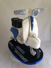 Mels Amazing Cakes Chester » Blog Archive » 3D Lambretta cake