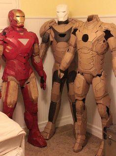 Une armure d'Iron Man