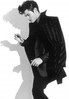 Francisco Lachowski, a young smoking PUNK