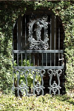 Lovely Old Ironwork Gate in Savannah, Georgia!!! Bebe'!!! Love this antique intricate ironwork garden gate in Savannah, Georgia!!!