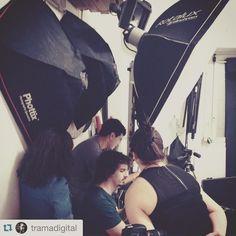 #backstage de hoy en el estudio de @tramadigital haciendo fotos para #tarym .  #Repost @tramadigital with @repostapp.  Producción para Tarym. Hoy trabajo en nuestro estudio @andresharambour