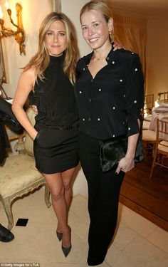 Jennifer Aniston Is Glowing With Fiance Justin Theroux By Her Side at 'Cake' Luncheon: Photo Jennifer Aniston and her close gal pal Chelsea Handler keep it classy in black while celebrating her film Cake at a luncheon on Tuesday (January in Los Angeles. Jennifer Aniston Cake, Estilo Jennifer Aniston, Jennifer Aniston Photos, Jenifer Aniston, Celebrity Best Friends, Celebrity Style, Justin Theroux, Chelsea Handler, Amy Poehler