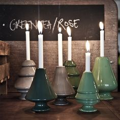 The beautiful Avvento candle holders come in clear white, Nordic grey tones and well-known shades of green – all of which magically echo the colours of their surroundings.