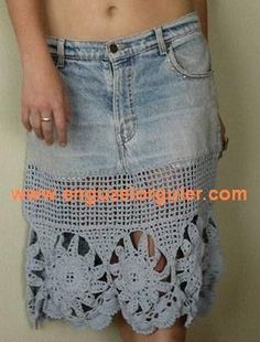 jeans skirt made new with crochet jean skirt – fashion Clothes Crafts, Sewing Clothes, Crochet Clothes, Skirt Fashion, Diy Fashion, Jeans Recycling, Jean Diy, Artisanats Denim, Crochet Skirts