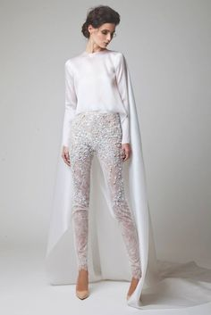 Wedding pants but I would wear this as a regular outfit! Wedding Pantsuit, Wedding Attire, Wedding Dresses, Wedding Suits, Arab Fashion, White Fashion, Trendy Fashion, Fashion Art, Fashion Outfits