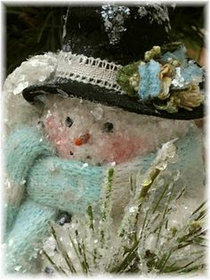 Frosty the Snowman :) Snow lady Welcome To Christmas, Little Christmas, Christmas Snowman, All Things Christmas, Winter Christmas, Christmas Holidays, Christmas Crafts, Christmas Decorations, Xmas