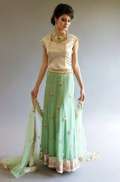 Colour of the moment - mint green Fashion Drug, Ghagra Choli, Indian Couture, Indian Outfits, Indian Clothes, Indian Bridal, Indian Wear, Simply Beautiful, Lehenga