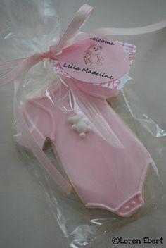 It's A Girl! Baby Shower Cookies www.thebakingsheet.blogspot.com