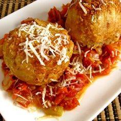 Arancini di Riso (Rice Balls) - (Free Recipe below) Gourmet Recipes, Pasta Recipes, Appetizer Recipes, Appetizers, Cooking Recipes, Healthy Recipes, Guam Recipes, Cooking Kale, Gourmet Foods