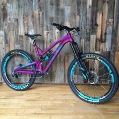 C3 Bike Shop's 2016 Intense Cycles Uzzi Custom #Enduro Smasher Vital MTB http://www.vitalmtb.com/community/C3-Bike-Shop,40796/setup,31841 #sick #purple
