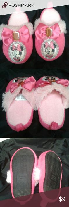 Disney Minnie Mouse slippers toddler Pink Minnie Mouse Slippers With jewel in the middle of the bow very clean purchased for my daughter when she was too little to actually keep slippers on so brand new other than wearing them around the house for short bouts of time Shoes Slippers