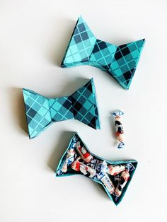 FREE Printable Father's Day Bowtie Box | Oh Happy Day!