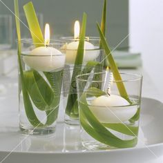 Centerpieces Ideas For Parties – frühlingsdeko mit drei schwimmenden kerzen in wassergläsern Related posts: Furnishing ideas Lantern Centerpieces, Party Centerpieces, Table Decorations, Centrepieces, Greenery Centerpiece, Simple Centerpieces, Centerpiece Ideas, Deco Nature, Deco Floral