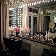 Every girls dream ... @khloekardashian's super glam #GlamRoom .. Behind the…