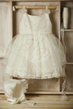Βαπτιστικό ρούχο για κορίτσι ιβουάρ μεταξωτή οργάντζα και γαλλική δαντέλα Baptism Clothes, Baptism Outfit, Girls Dresses, Flower Girl Dresses, Wedding Dresses, Image, Fashion, Bebe, Dresses Of Girls