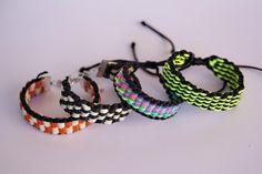 Diseños de pulseras kumihimo para telar cuadrado