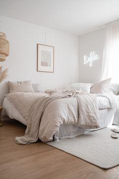 Home Interior Salas bedroom.Home Interior Salas bedroom Room Ideas Bedroom, Bedroom Inspo, Home Decor Bedroom, Bedroom Furniture, 1920s Bedroom, Earthy Bedroom, Bedroom Rustic, Queen Bedroom, Diy Bedroom