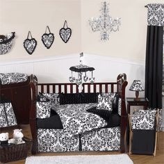 Black & White Baby Room! Adorable! If its a girl maybe checkers for both boy/girl