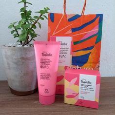 Perfume, Minerva Beauty, Cnd, Ideas Para, Planter Pots, Instagram, Sunflower Birthday Cakes, Shopping, Beauty Products