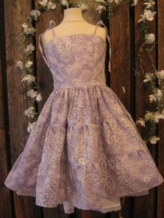 Lavender dress for teen. Flowergirl. Lavender party outfit for tween girl via Etsy