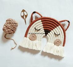 Weaving Projects, Macrame Projects, Crochet Projects, Pom Pom Crafts, Yarn Crafts, Macrame Patterns, Crochet Patterns, Weaving Loom Diy, Easy Diy Crafts
