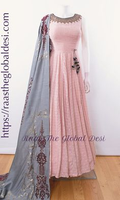 Party Wear Indian Dresses, Indian Fashion Dresses, Indian Wedding Gowns, Indian Gowns Dresses, Party Wear Lehenga, Dress Indian Style, Indian Designer Outfits, Indian Outfits, Designer Anarkali Dresses