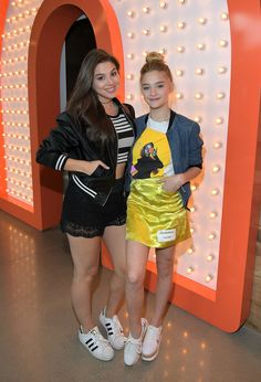 BURBANK, CA - MAY Kira Kosarin (L) and Lizzy Greene attend Nickelodeon's Sizzling Summer Camp Special Event on May 2017 in Burbank, California. (Photo by Charley Gallay/Getty Images for Nickelodeon) Nickelodeon Girls, Nickelodeon Shows, Kira Kosarin, Nickelodeon The Thundermans, Cute Celebrities, Celebs, Nicky Ricky, Norman Love, Meg Donnelly