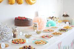 La fiesta de cumpleaños de Alma: Hip, hip... ¡Fruta! (I) Food Table Decorations, Airplane, Party, Birthday Parties, Cake, Diy, Ideas, Airplane Cakes, Fruit