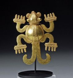 Panama ~ Veraguas | Pendant in the form of a frog or turtle | High karat gold | Est. 6,000 - 12,000$