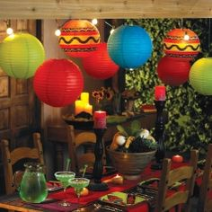 A Cinco de Mayo party is the perfect time to get creative with these fun, DIY decoration ideas. Check out some of our favorite decor ideas and festive party decorations for your Cinco de Mayo fiesta. Mexican Fiesta Party, Fiesta Theme Party, Taco Party, Mexico Party Theme, Bar Mexicano, Streetfood Festival, Mexican Birthday, Fiestas Party, Mexican Night