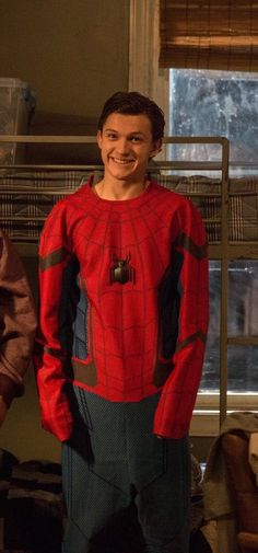 The untold truth of Tom Holland – Celebrities Woman Tom Holland Peter Parker, Siper Man, Tom Holand, Baby Toms, Men's Toms, Tommy Boy, Man Thing Marvel, Marvel Actors, Celebs