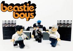 20 GROUPES DE MUSIQUE CULTES RECRÉÉS EN LEGO by Adly Syairi Ramly