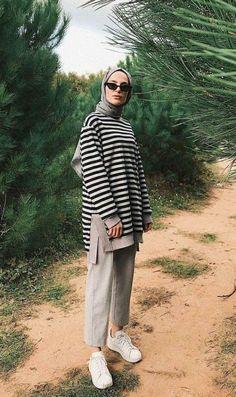 Hijab Coat Models 2020 Your scarf is an essential part ins Modern Hijab Fashion, Street Hijab Fashion, Hijab Fashion Inspiration, Muslim Fashion, Modest Fashion, Fashion Outfits, Fashion Ideas, Casual Hijab Outfit, Ootd Hijab