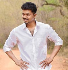 Hansika, Shruti and another heroine for Vijay in Puli