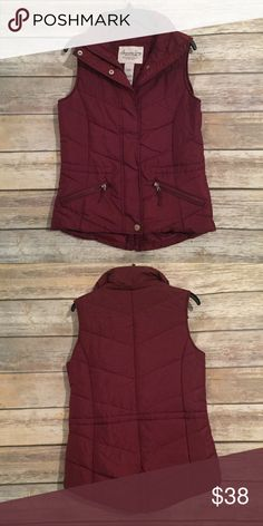 NWOT Puffer Vest New without tag! Never worn. American Rag Jackets & Coats Vests