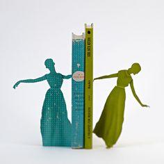 Gemaakt van oude kinderboeken door Thomas Allen
