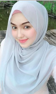 Beautiful Hijab Girl With Cute Cheeks - Setahunbaru Beautiful Hijab Girl, Beautiful Muslim Women, Beautiful Lips, Arab Girls Hijab, Muslim Girls, Muslim Brides, Hijabi Girl, Girl Hijab, Moslem
