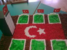 26297_388879822711_139920172711_4262500_4213651_n – Okul Öncesi Etkinlik Diy And Crafts, 18th, Classroom, Holiday Decor, Drawings, Mart, Class Room, Sketches, Drawing