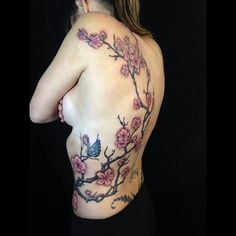 【mikehessingertattoo】さんのInstagramをピンしています。 《Did this a while back, love projects like this #tattoos #tattoo #largetattoo #ribtattoo #tattooart #sexytattoos #tattooedgirls #chicktattoo #tree #treetattoo #cherryblossom #cherryblossoms #cherryblossomtattoo #cherry blossoms tattoo #japanesetattoo #sidetattoo #butterflytattoo #colortattoo》