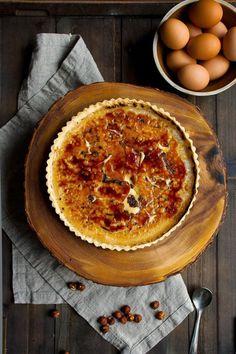 Hazelnut Crème Brûlée Tart (Megan Voigt, Hint of Vanilla) Tart Recipes, Sweet Recipes, Dessert Recipes, Cooking Recipes, Oven Recipes, Vegetarian Cooking, Kitchen Recipes, Easy Cooking, Sweet Pie