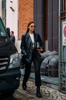 Milan Fashion Week Street Style, Look Street Style, Street Looks, Model Street Style, Street Chic, Street Styles, Olivia Palermo, Irina Shayk Estilo, Black Leather Blazer