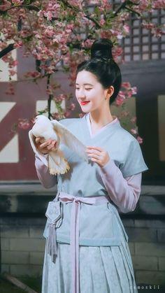 Chinese Actress, Hair Beauty, Actresses, Shirt Dress, Dramas, Cute, Japan, Clothes, Baby