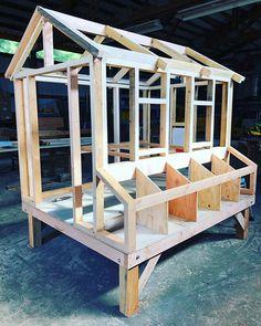 Chicken Coop Kit, Backyard Chicken Coops, Building A Chicken Coop, Chickens Backyard, Modern Homesteading, Farm Animals, Garden Design, Make It Yourself, Pets