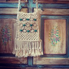 Macrame boho 70s vintage like bag with natural cotton twine and big emerald wooden beads