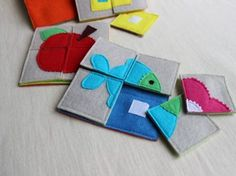 Small felt puzzle squares for quiet book Diy Quiet Books, Baby Quiet Book, Felt Quiet Books, Sewing Projects For Kids, Sewing For Kids, Diy For Kids, Diy Toys For Toddlers, Sewing Toys, Baby Sewing