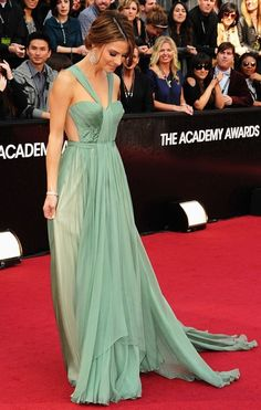 Maria Menounos in Maria Lucia Hohan at the 2012 Academy Awards. Love that soft green on her tan skin!