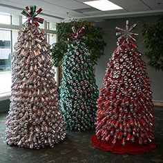DetalleLogia: Árboles de Navidad - Reciclando corchos, botellas...