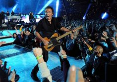 Bruce Springsteen and the E Street Band - Super Bowl XLIII (2009) Best halftime show ever!