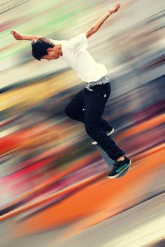 This reminded us of an abstract painting of a skateboarder!